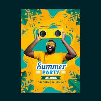 Estilo de modelo de panfleto de festa de verão