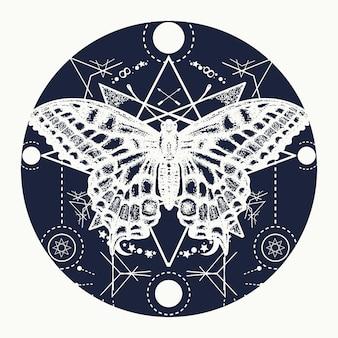 Estilo geométrico de tatuagem de borboleta