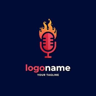 Estilo gradiente de logotipo de podcast de fogo