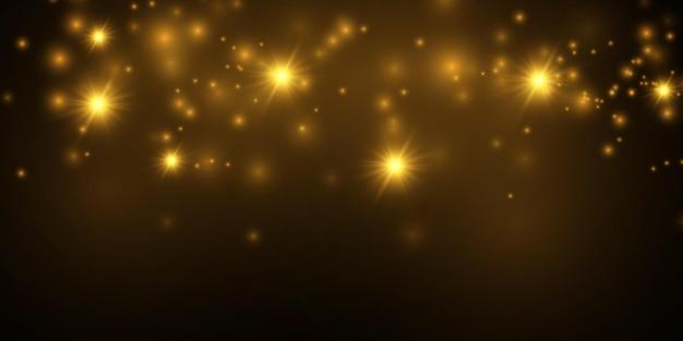 Estrelas douradas brilham com luz especial o vetor cintila em um fundo transparente