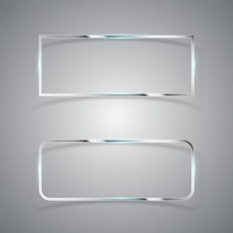 Estrutura retangular em metal cromado.