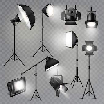 Estúdio de show de luzes holofotes com lâmpadas especiais no conjunto de ilustração de palco de teatro de luzes do projetor fotografando equipamento de filme isolado em fundo transparente