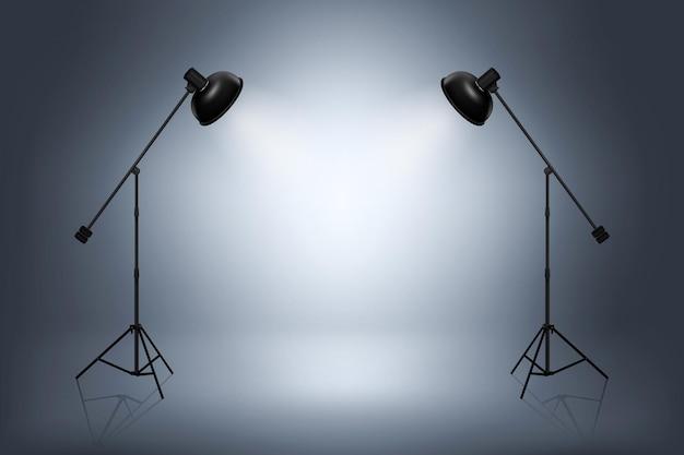 Estúdio fotográfico vazio com holofotes