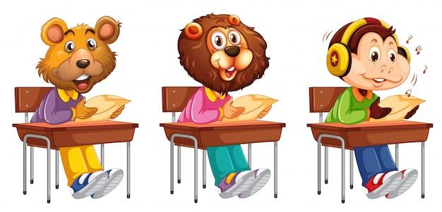 Estudo de estudante de animais na mesa