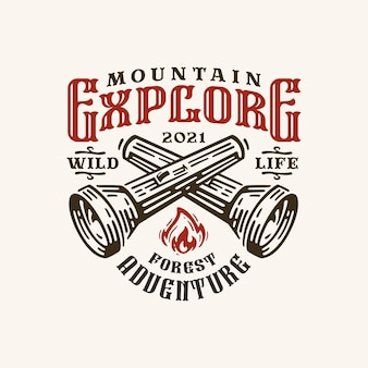 Etiqueta do logotipo vintage monocromático para explorar montanha com lanternas cruzadas isoladas