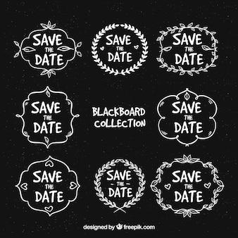 Etiquetas de casamento no quadro-negro com variedade de quadros