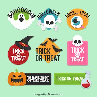 Etiquetas de halloween com design plano