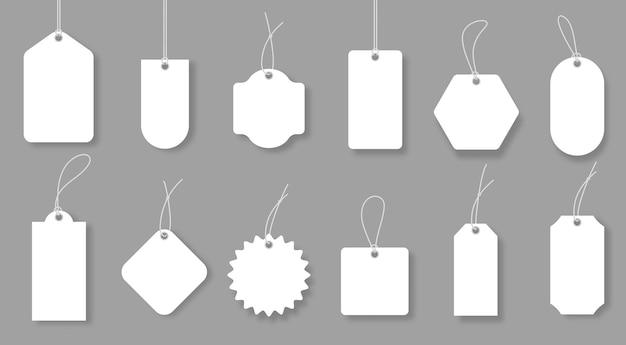 Etiquetas de preço em branco, emblemas de bagagem e etiquetas para presentes maquetes de vetor de desconto de venda realista
