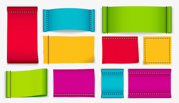 Etiquetas de roupas, etiquetas de tecido de cor e etiqueta de distintivo de roupas conjunto realista vector