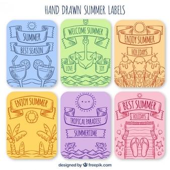 Etiquetas de verão desenhados mão embalar