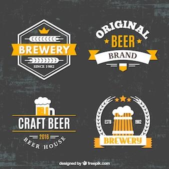 Etiquetas decorativas da cerveja no estilo retro