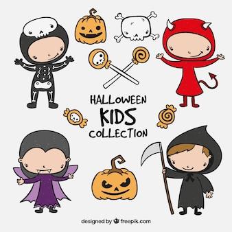 Etiquetas desenhadas a mão com crianças do dia das bruxas