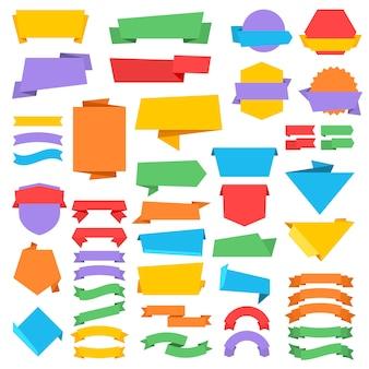 Etiquetas e emblemas do vetor do vintage com as bandeiras da fita no estilo do origami. ilustração de origami de adesivo de bandeira
