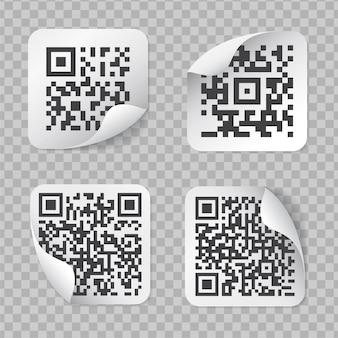 Etiquetas realistas com código qr isolado em fundo transparente