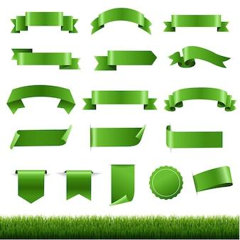 Etiquetas verdes e fita com borda de grama verde