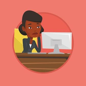 Exausto empregado triste trabalhando no escritório.