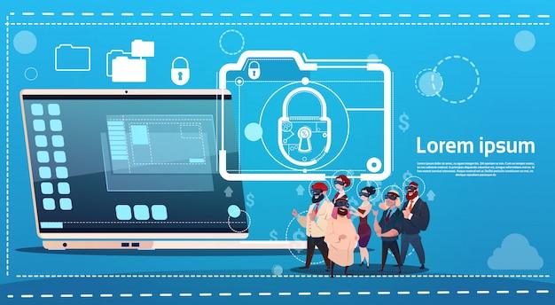 Executivos do conceito da proteção de dados do fechamento do portátil dos vidros da realidade virtual de digitas do desgaste do grupo