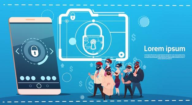 Executivos do conceito esperto da proteção de dados do fechamento do telefone da pilha dos vidros da realidade virtual de digitas do desgaste do grupo