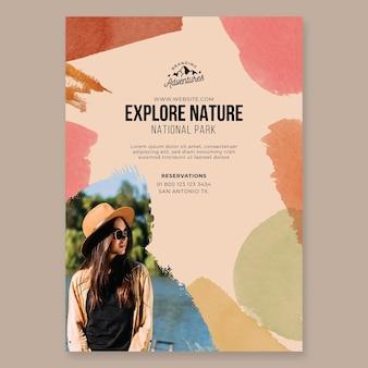 Explore o pôster de caminhadas na natureza