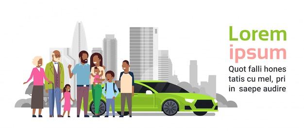 Família afro com modelo de banner de carro verde