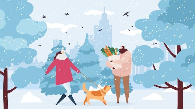 Família, casal com cachorro caminha em winter park, carrega sacola de compras