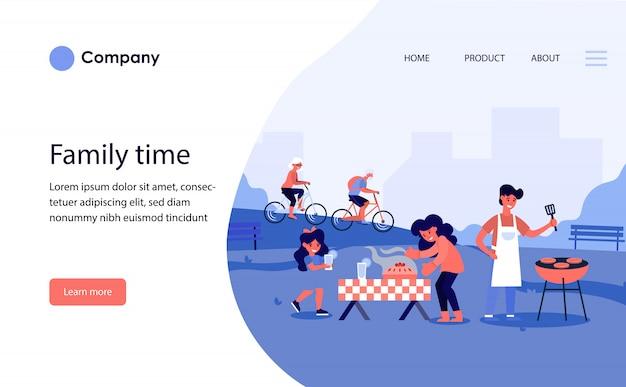 Família fazendo churrasco no parque público. modelo de site ou página de destino