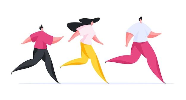 Família feliz em trajes esportivos coloridos correndo junta