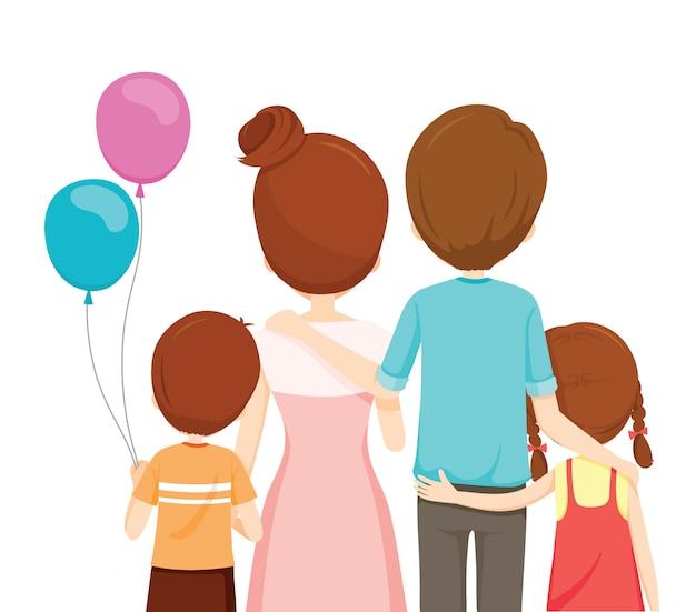 Família feliz, pai, mãe, filho e filha se abraçando