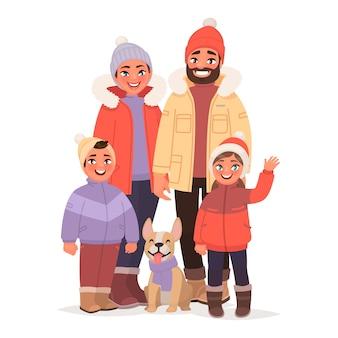 Família feliz vestida com roupas quentes de inverno. pessoas no norte. férias de natal.