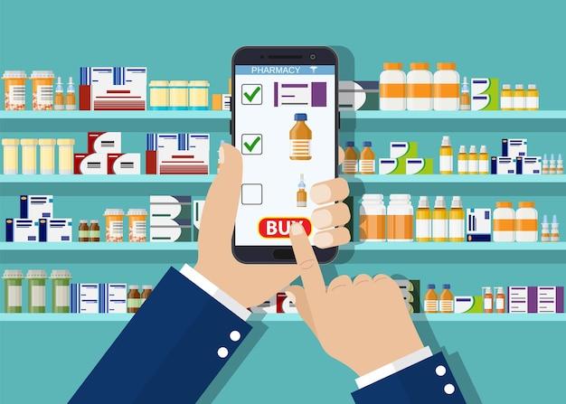 Farmacêutico com as mãos segurando o tablet