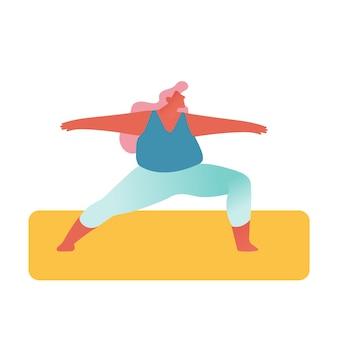 Fat girl em roupas esportivas engaja-se em atividades de fitness ou ioga