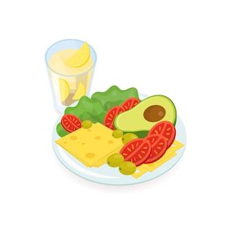 Fatias de queijo e tomate, salada, abacate e azeitonas no prato e copo de suco de laranja.
