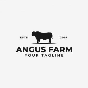 Fazenda de gado angus ou rancho de vaca, modelo de logotipo de carne