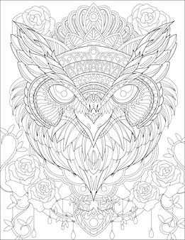 Feche acima da cabeça da coruja com a coroa ao redor das flores rosas, das videiras, do desenho de linhas incolores da nightowl com