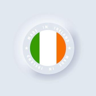 Feito na irlanda. irlanda feita. emblema de qualidade da irlanda, etiqueta, crachá. neumorfismo