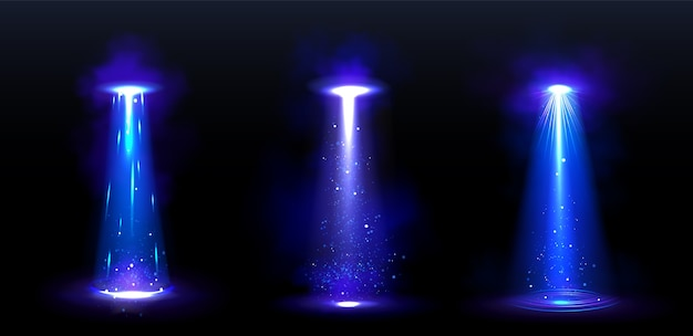Feixes de luz de ovnis e raios brilhantes de espaçonaves alienígenas à noite