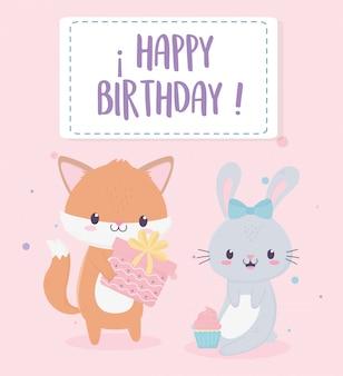 Feliz aniversário raposa e coelho com presente e cupcake cartão de decoração de celebração