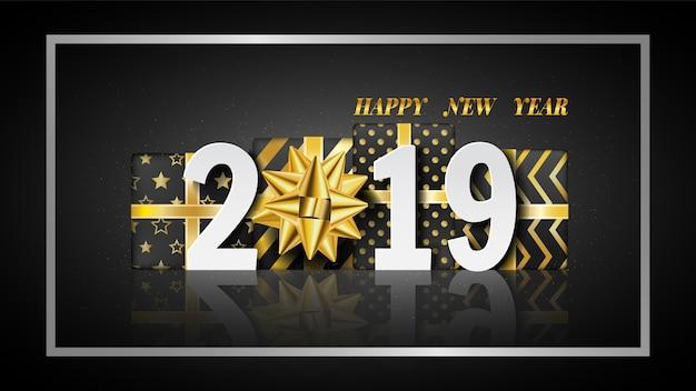 Feliz ano novo 2019 fundo com caixa de presente de ouro.