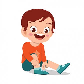Feliz, bonito, criança, menino, laço, sapato sapato