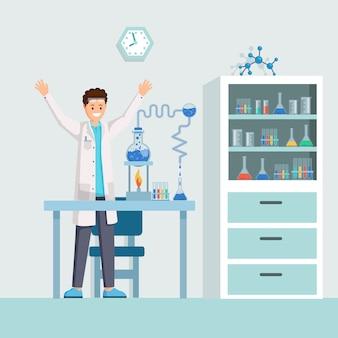 Feliz cientista, químico animado com experiência bem sucedida