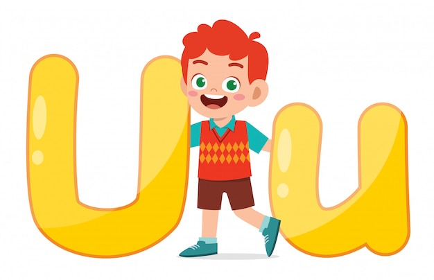 Feliz criança bonitinha estudar caráter de alfabeto
