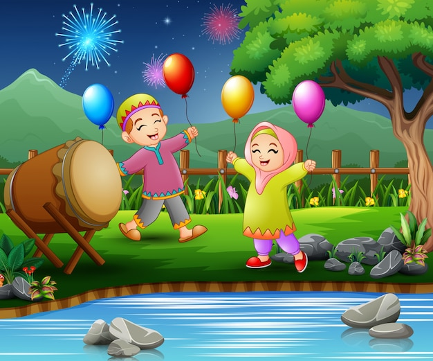 Feliz, crianças, comemorar, para, eid, mubarak, com, balões