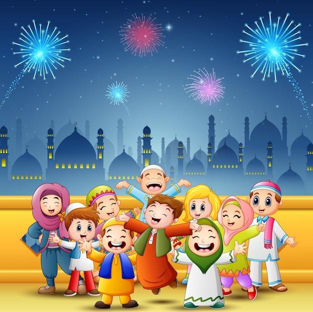 Feliz, crianças, comemorar, para, eid, mubarak