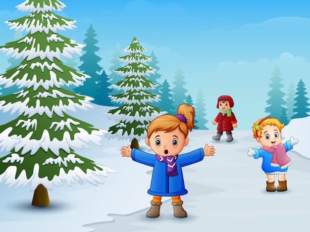 Feliz, crianças, tocando, em, paisagem inverno