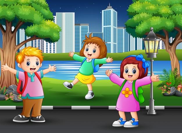 Feliz, crianças, tocando, parque, estrada