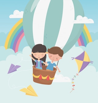 Feliz dia das crianças menino e menina voando com balão de ar quente