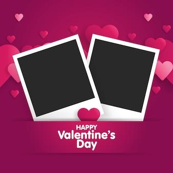 Feliz dia dos namorados cartão postal com um modelo em branco para foto