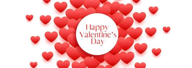 Feliz dia dos namorados lindo design de banner de corações vermelhos