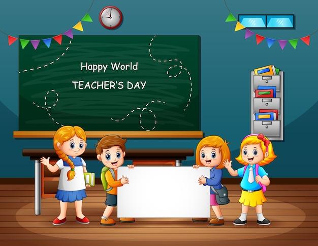 Feliz dia mundial do professor com o aluno segurando um cartaz em branco