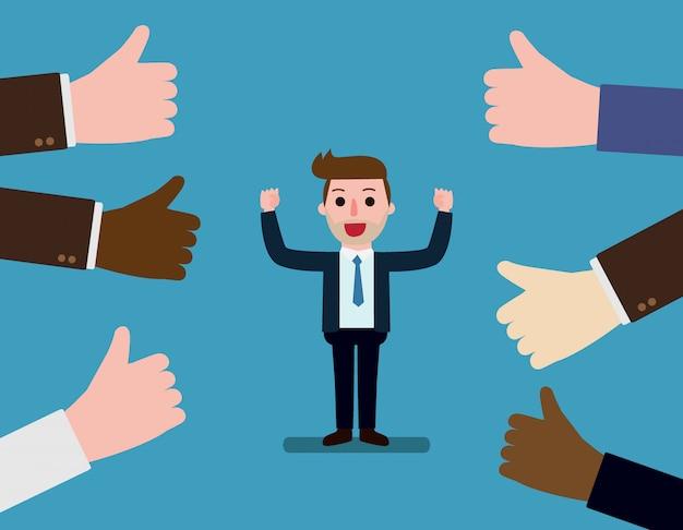 Feliz e orgulhoso empresário com muitos polegares para cima as mãos ao seu redor